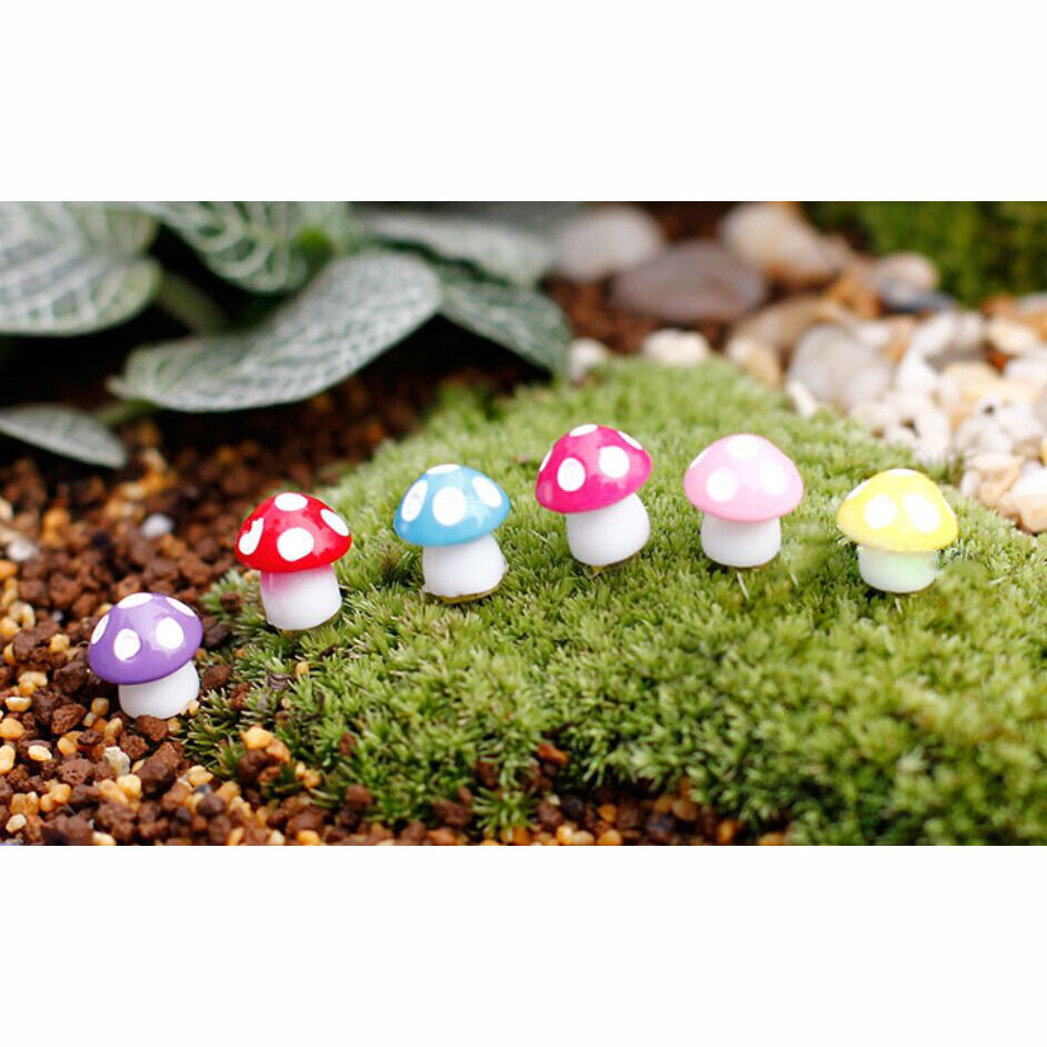 Gnome Garden: 8Pcs Cute Mini Mushroom Miniature Garden Gnome Fairy