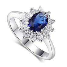 2018 New Arrival Gifts Golden/Silver Hot Sale 1PC Beautiful 3 Colors Female Ring Blue/Red Crystal Allergy Free Wedding Graceful