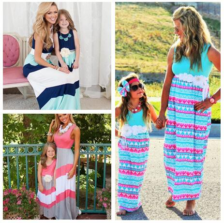 Mamá y yo Vestidos 2017 verano madre e hija Niñas raya trajes chervon  vestido familia ropa a juego 0c88949a745