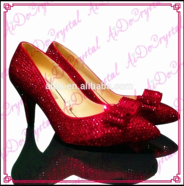 519d9b793 Dorothy Aidocrystal Sexy Cristais Vermelhos Rubi Luxo Saltos Baixos Apontou  Toe Bombas de Sapatos de Casamento