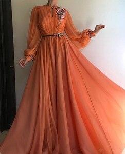 Image 1 - 오렌지 긴 소매 이슬람 이브닝 드레스 2019 a 라인 시폰 이슬람 두바이 사우디 아라비아 긴 저녁 가운 댄스 파티 드레스