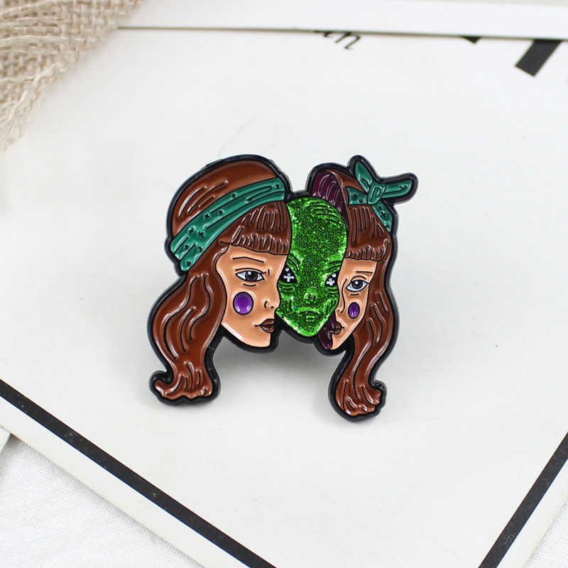 XEDZ ホット販売ホラー骨熱気球ボトルボウルスケートケーキ砂時計ワニ猫ケーキ宇宙船ハート犬キツネピン