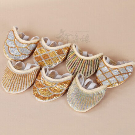 New Arrival 2015 Belly Dance Shoes Nice Design Dancing Ballet Latin Shoes With Dichotomanthes Soft-soled Shoes Female