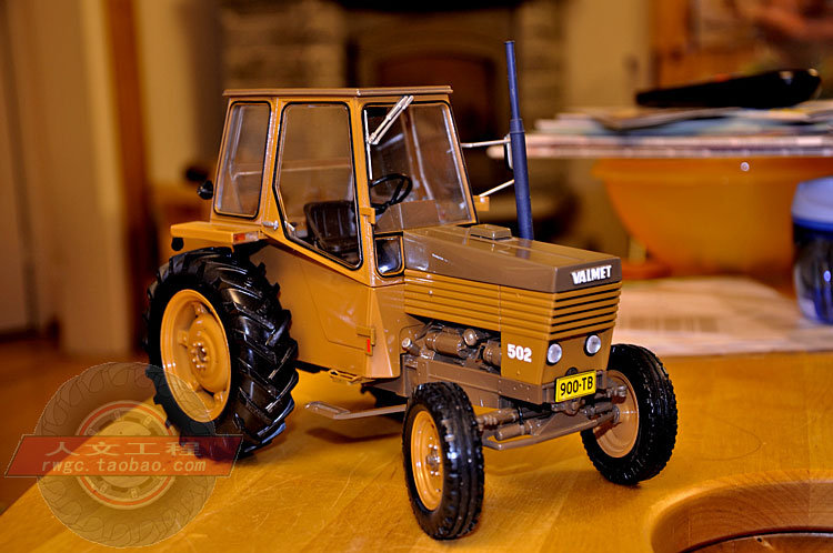 Valmet 502 Valmet farm tractor alloy car model collection gift French UH 1:16 цена