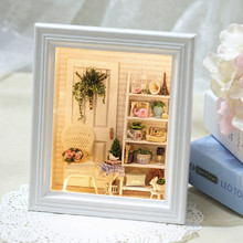 Cute Families House Miniature DIY Picture Frame Wall Assembled Model Home Decoration Accessories Juguetes Brinquedos