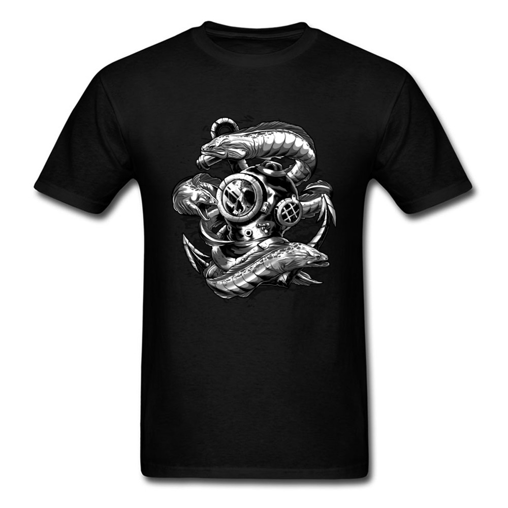 Retro 2018 Diver Helmet Print Men Black T-shirt Animal Fish Top Tee Cool Design Male Cotton T Shirt Sink The Bones