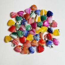 Toptan 30 adet/grup kaliteli karışık şerit oniks kalp şekli doğal taşlar kolye takı yapımı için 20mm