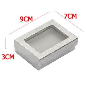 Image 2 - Caja expositora de joyería de 7x9 cm, 60 unids/lote, caja de regalo para pendientes de collar de cartón plateado, Cajas de Regalo de embalaje con esponja blanca