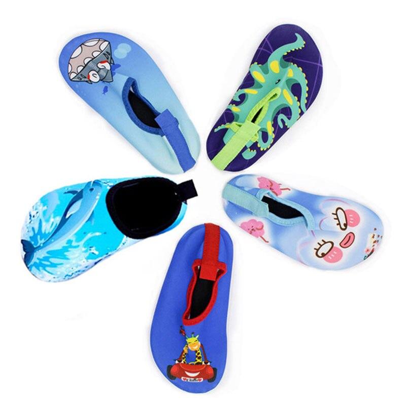 Jogo do Pijama t Chinelos da Sapatos Crianças