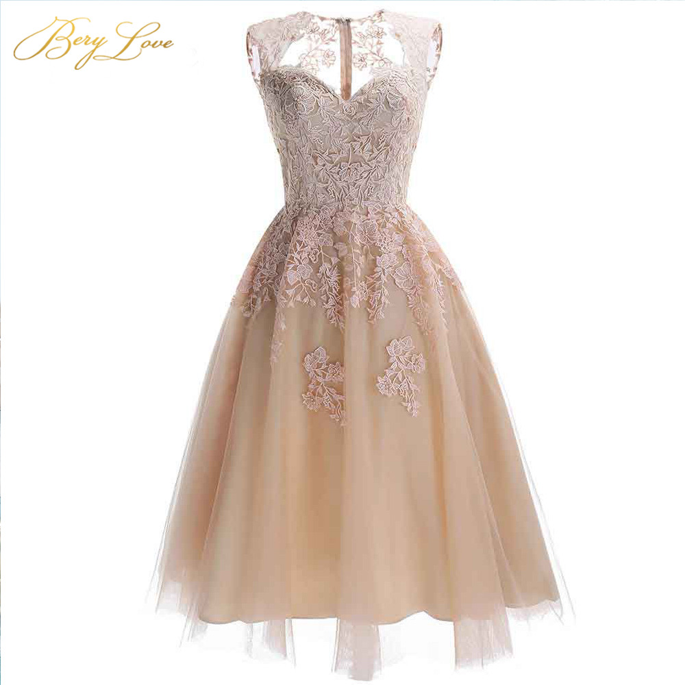 BeryLove Chic Champagne Knee Length Homecoming Dresses 2020 Short Lace Homecoming Dress Party Gowns Cheap Graduation Dresses