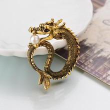 Retro fashion pearl jewelry Europe and high-end mens suit retro brooch badge alloy dragon totem