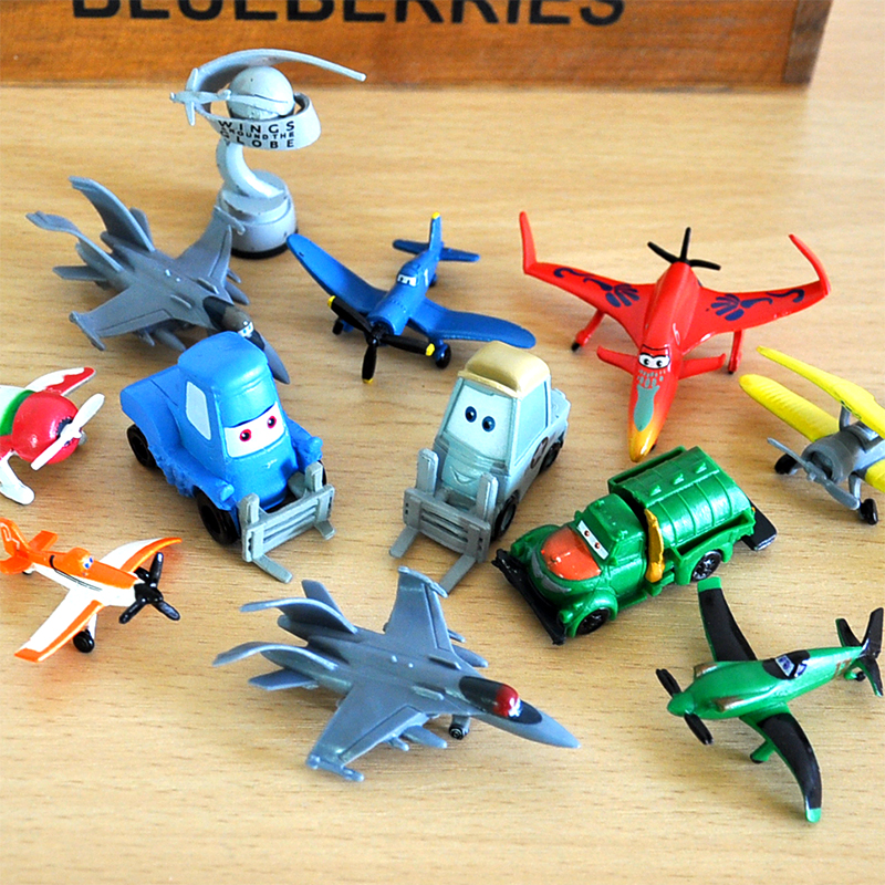 12pcs/lot 5cm Movie Planes Dusty Skipper PVC Action Figures Collectible  Mini Model Kids Birthday Gift