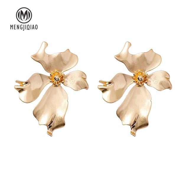 New Vintage Gold Color Metal Flower Earrings 6