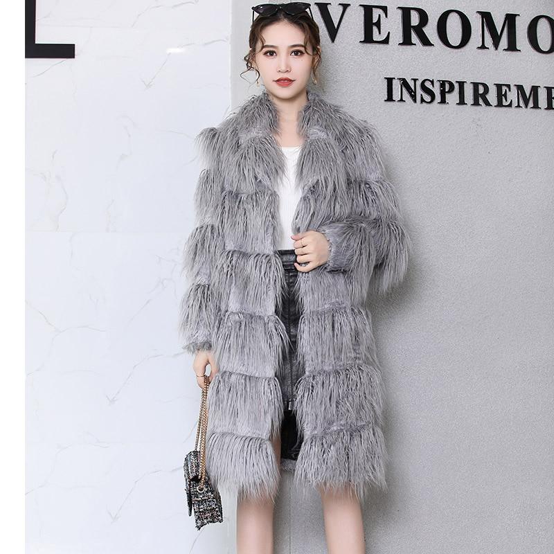 Kadın Giyim'ten Yapay Kürk'de Nerazzurri Faux kürk ceket kadınlar 2019 kış gri uzun saçlı kürklü kabarık sahte fu ceket artı boyutu kadın giyim 4xl 5xl 6xl 7xl'da  Grup 1
