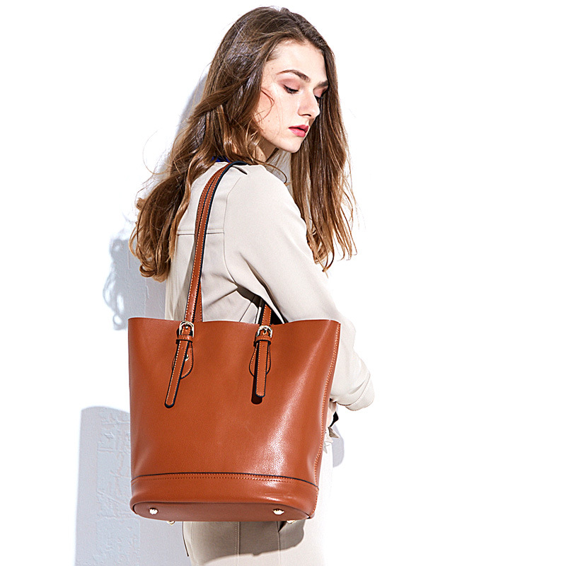 100 Genuine Leather Bag Large Women Leather Handbags Famous Brand Women Messenger Bags Big Ladies Shoulder Bag in Shoulder Bags from Luggage Bags
