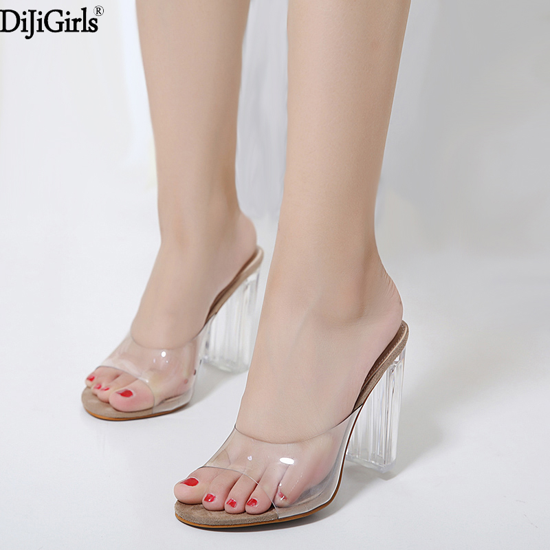 Womens sandals summer slippers crystal shoes with transparent heels street sexy transparent slippers Sandals with thick heels ladylike women s sandals with transparent plastic and crystal design