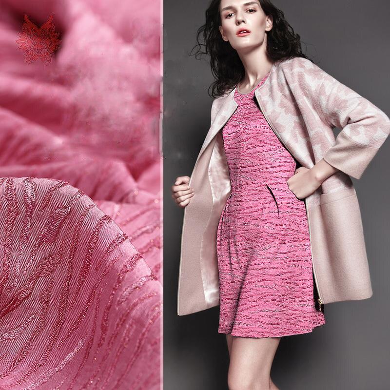 Розовые ткани на платье