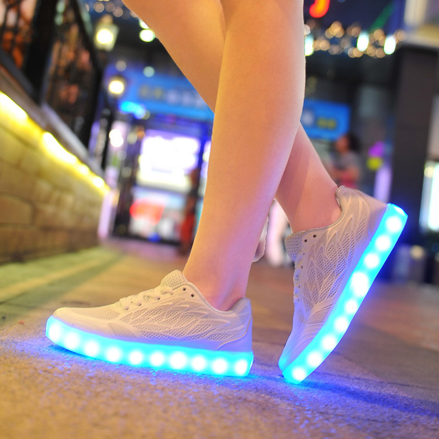 2016 women light up led luminous shoes color glowing casual fashion with new simulation sole charge for lady adults neon basket