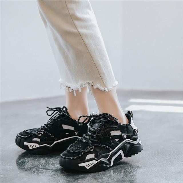 Marka skóra gruba podeszwa daddy shoes kobiety Sneakers 2020 jesień nowy trend w modzie lekkie buty do biegania swobodna dzikość obuwie sportowe