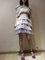 Новая Европа летом росы талии печати длинное платье тяжел Кружева полые из слоя торт девушка
