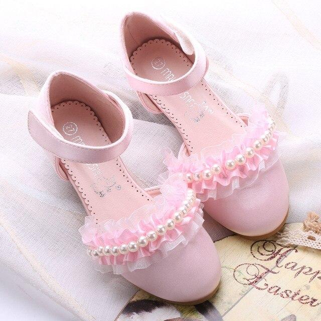 2017 Novos Chegada da Primavera Crianças Sapatos para Meninas Sapatos de Couro Sapatos Da Menina de Flor Do Partido Da Princesa Frisada Lace Pink & White