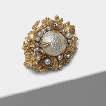 Amorita Boutique ดอกไม้สีทองเข็มกลัด VINTAGE Court ประณีต Pearl เข็มกลัด