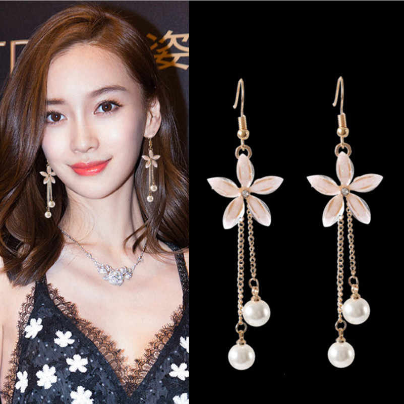Korea new transparent crystal five-leaf flower simulation pearl tassel metal chain long earrings for ladies jewelry gifts