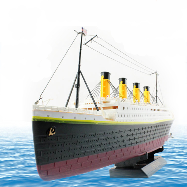 RC Boat 1:325 Titanic Sea Grand Cruise Ship 3D Titanic Century Classic Love Story RC Boat High Simulation Ship Model Toys
