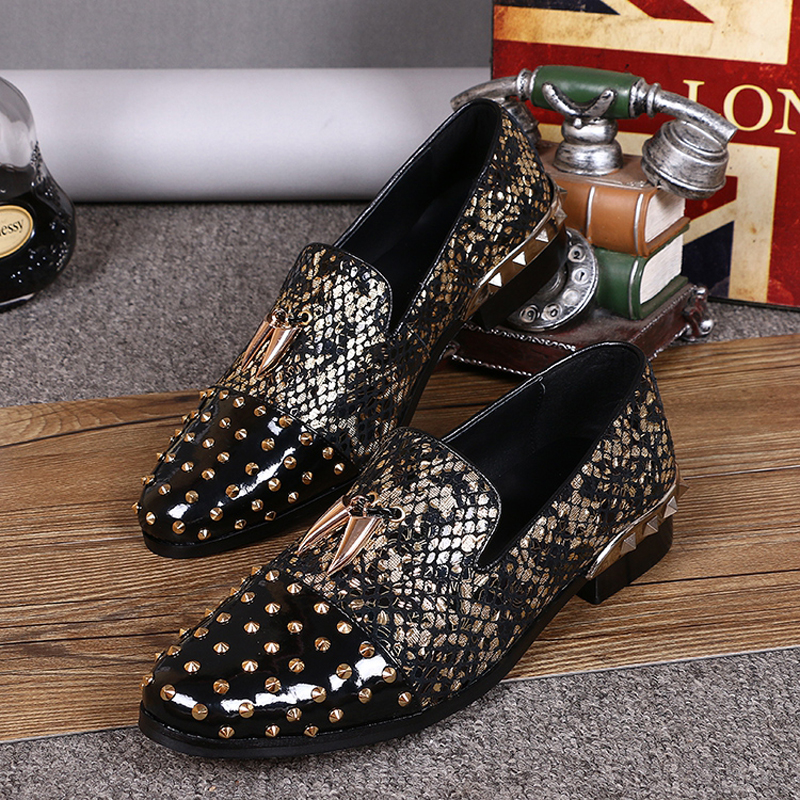 Zobairou Fashion Design Floral Print Breathable Leather Men Stage Shoes Casual Driving Loafers Men's Flats Dress Shoes Rivets branded men s penny loafes casual men s full grain leather emboss crocodile boat shoes slip on breathable moccasin driving shoes