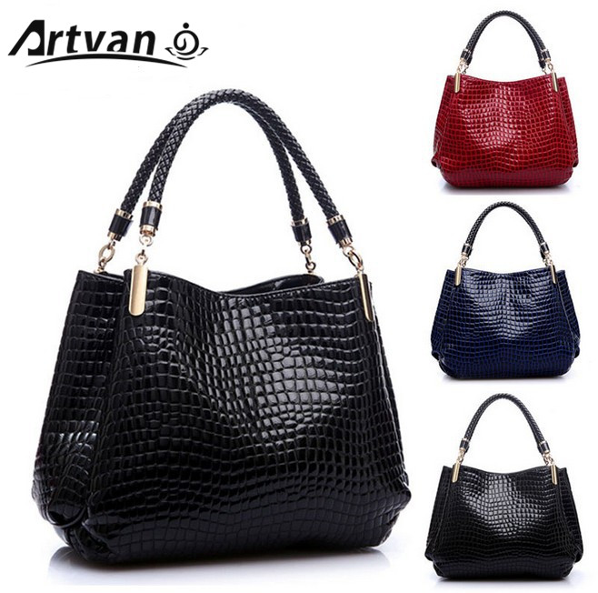 c534fd22dc1c Detail Feedback Questions about 2018 New Fashion Brand Leather bolsas  femininas Women Bags Pattern Handbag Shoulder Bag Female Tote Crocodile Bag  DJ53 on ...