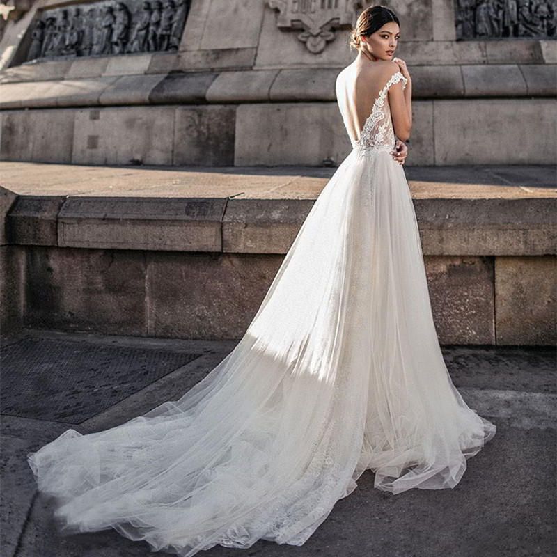A-Line 2019 Wedding Dress Length tail Sexy V Backless Beach Wedding Dress Appliqued with LaceWhite Ivory Princess Wedding Gown