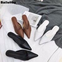 Для женщин низкий каблук шлёпанцы для модные брендовые Mule обувь Острый носок каблук «рюмочка» шлепанцы сандалии в стиле пэчворк дамы из иск...