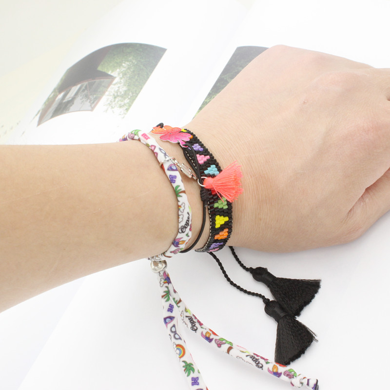 PW Diana Adjustable Cotton Rope Letter P Charm Bracelet Handmade Knot Multicolor Glass Beads Bracelets letter print knot front top