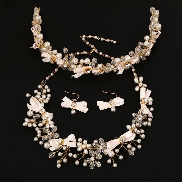 disponibilità nel Regno Unito famoso marchio di stilisti metà prezzo US $17.38 40% di SCONTO 3 pezzi set di gioielli da sposa di Cristallo della  perla degli orecchini della collana dei monili dei capelli arco accessori  ...