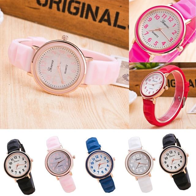 cc9a4f39a3f Moda silicone Fêmeas Das Mulheres Relógio do esporte Das Senhoras Vestido  de relógios De Plástico para