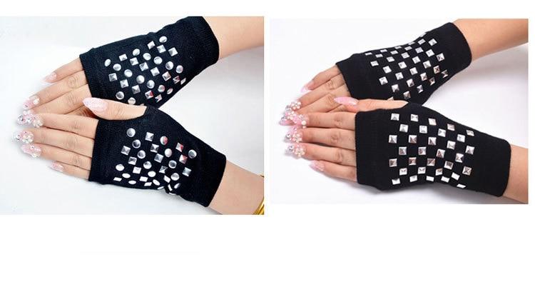 Lujoso Mitones Sin Dedos Con El Patrón De Crochet Solapa Motivo ...
