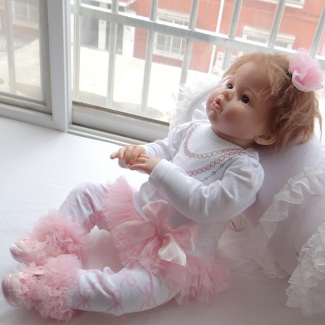 2016 de alta calidad de algodón ropa de bebé niña conjunto de encaje de manga larga camisa + pantalones lindos trajes recién nacido del resorte del bebé de moda