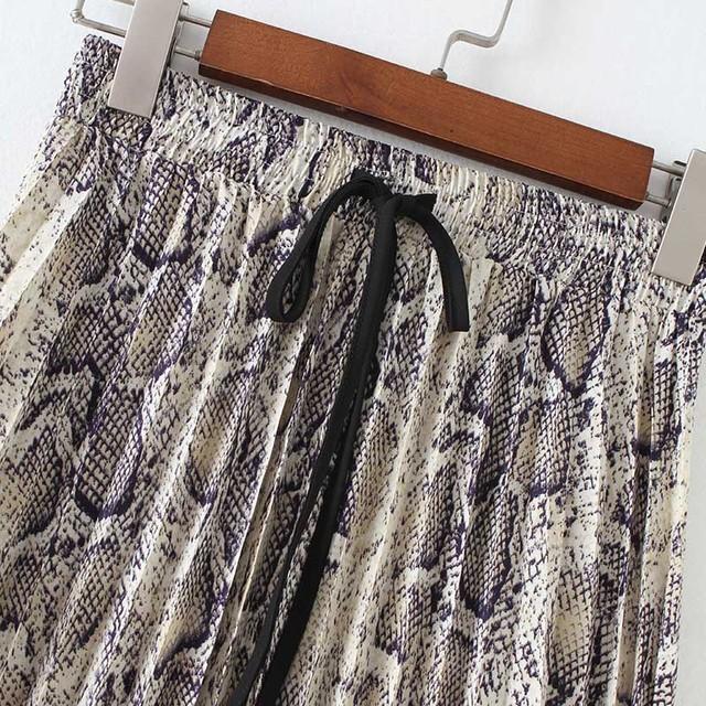 Women stylish Snake print pleated skirt