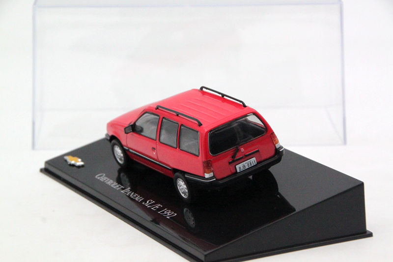 IXO Altaya 1:43 Scale Chevrolet Ipanema SLE 1992 Car Diecast Models Limited Edition Collection