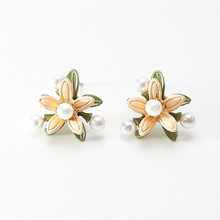 Beautiful girl earrings Retro fashion pearl Classical wind Temperament Fresh delicate wholesale
