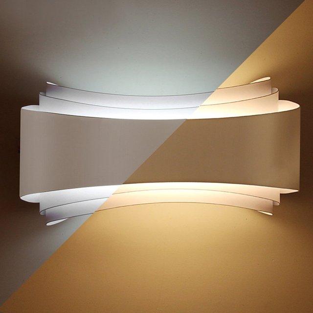 https://ae01.alicdn.com/kf/HTB1lBp4oACWBuNjy0Faq6xUlXXaz/Minimalismo-moderno-Applique-Da-Parete-A-Led-Albergo-Soggiorno-Apparecchi-di-Illuminazione-Corridoio-Comodino-Lampade-Da.jpg_640x640.jpg