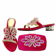 Beautiful fuchsia crystal women kitten heel shoes with rhinestone flower design african shoes match handbag set for dress V51-1