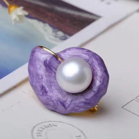 2018 New 3 colors Female jewelry Retro simple cute handmade High quality shell conch natural freshwater pearl brooch lovers gift