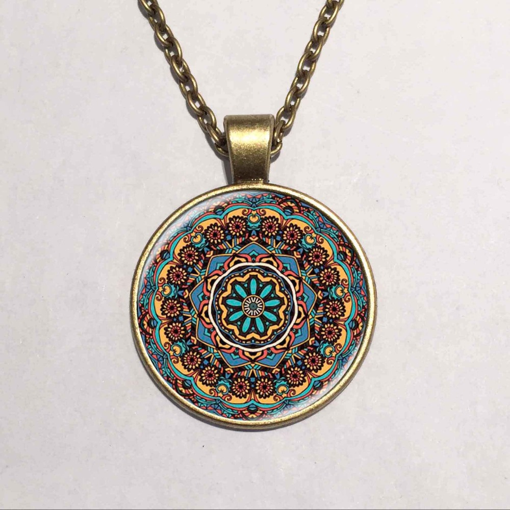 Color art kaleidoscope - The Latest Design Art Gift Splendor Of Color Kaleidoscope Mandala Necklace Glass Cabochon Necklace Jewelry