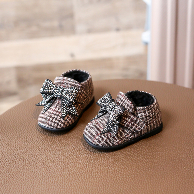 Nauhutu Cute New Born Baby Girls Shoes Rhinestones Deluxe Bow-knot  Moccasins Lovely Infant Warm Footwear Winter Little Booties 32a7f6c818d0