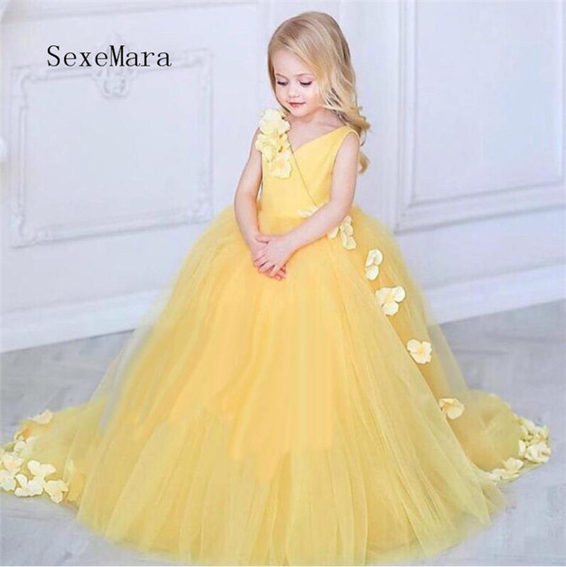 ea96025e36 New Puffy Tulle Flower Girl Dresses For Wedding Yellow Ball Gown Princess  Girls Pageant Gowns Children Communion Dress