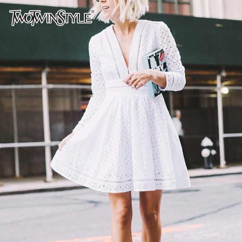 TWOTWINSTYLE Открытое платье для женщин с v-образным вырезом туника с высокой талией с длинным рукавом Белое Мини-Платье-пачка 2019 Весенняя Милая одежда