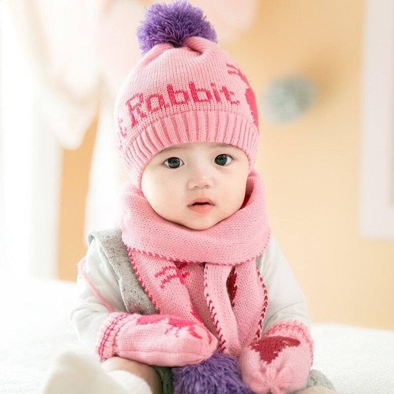 Bébé Chapeau Automne Hiver Bonnet de Laine Avec Boule Réchauffement En Peluche  Chapeau enfants Bébé Filles Deux-Pièce Écharpe Costume Enfant Garçons De  Mode ... b182c2f22fb