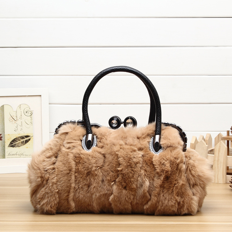 3068 New Fashion Rabbit Fur Crossbody bag Plush Shoulder bag Fur hand Diamond Clip Handbag thule 3068