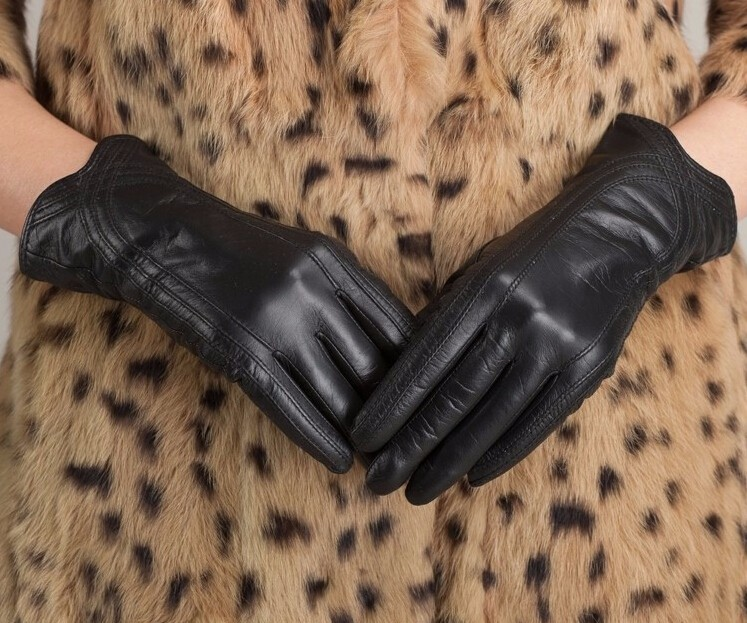 High Quality Women Genuine Sheepskin Winter Women Leather Gloves Lady knitting lined Warm Winter Mittens women gloves 44